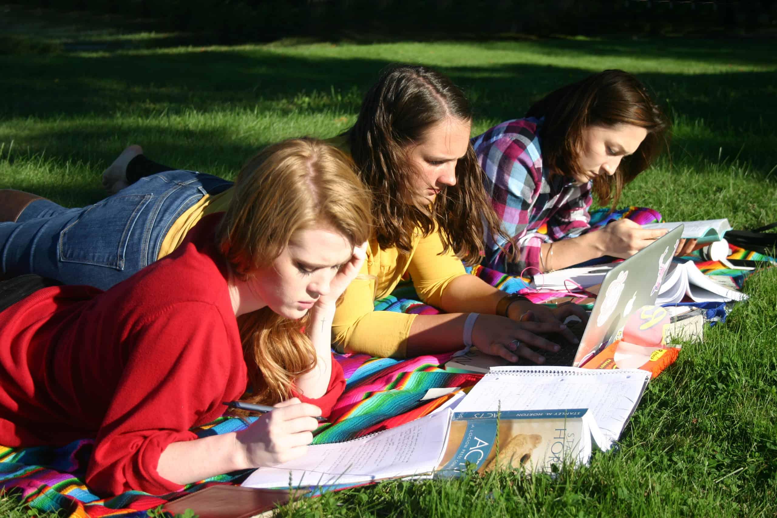 GIRLS-READING